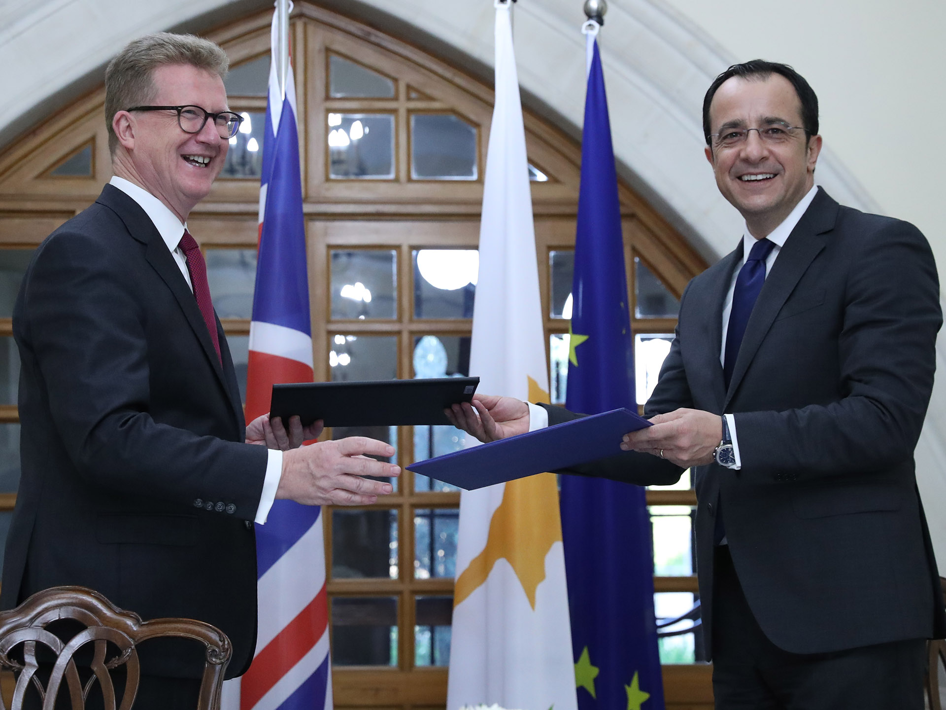 Cypriots on British bases can now develop properties