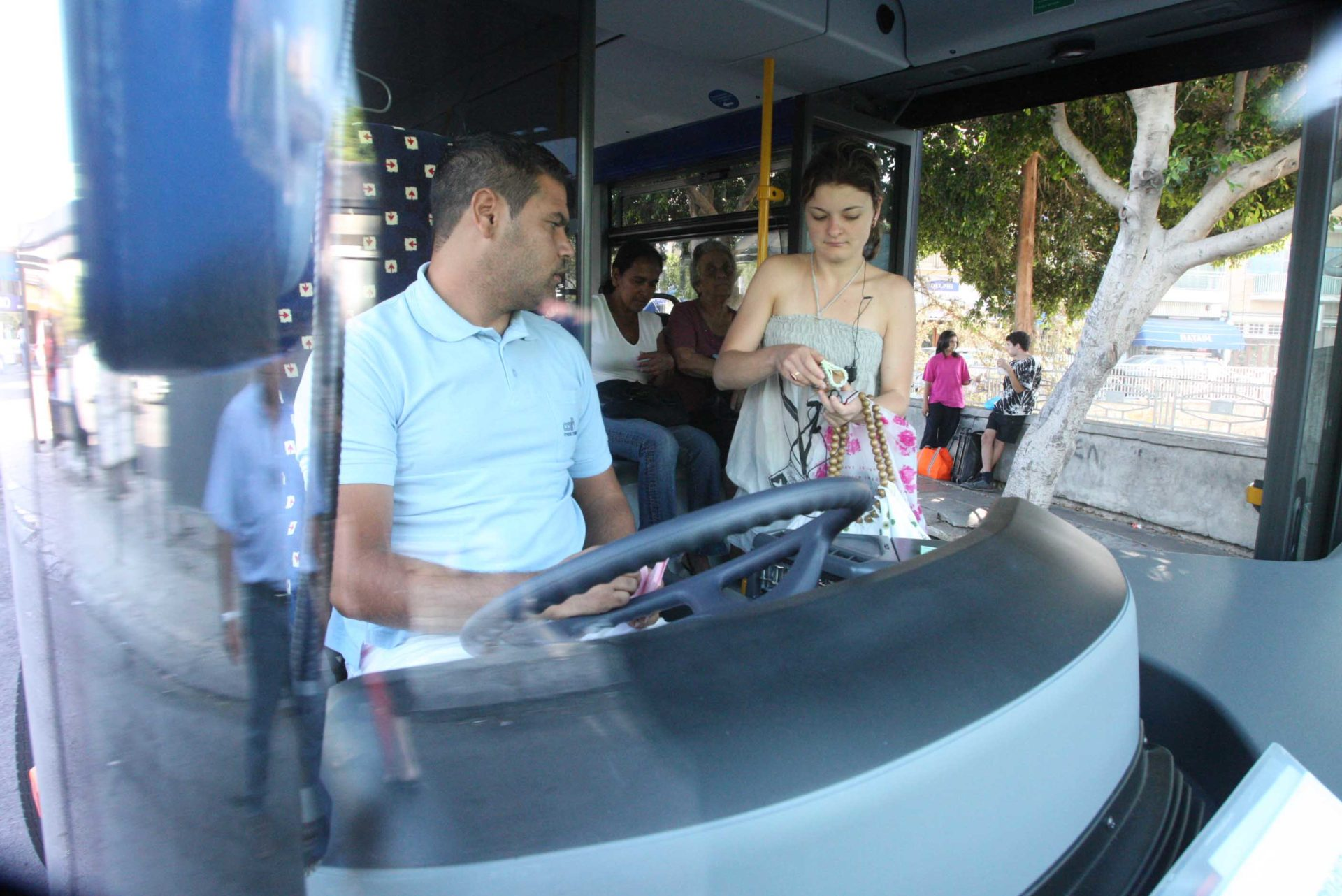 Public promised 'safe, reliable' bus system in Nicosia, Larnaca from Sunday