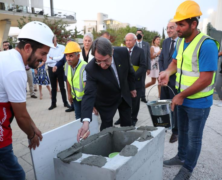 President lays foundation stone of University of Cyprus' medical school
